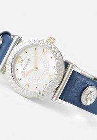 Versace Watches - MINI VANITY - Klokke - blue - 6