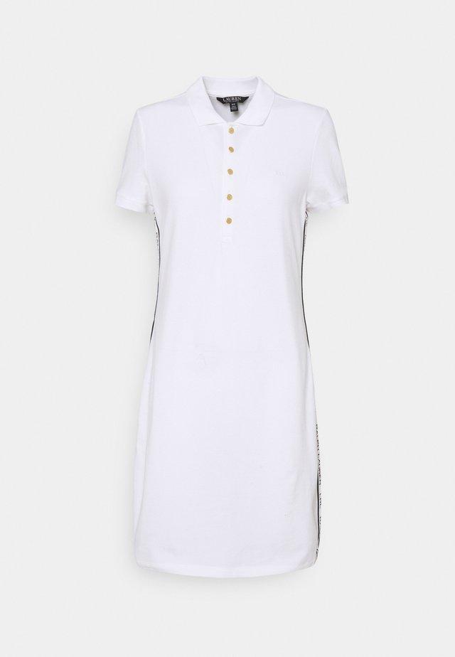 JADDOX SHORT SLEEVE DAY DRESS - Sukienka z dżerseju - white