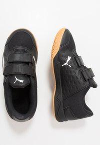 Puma - AURIZ V JR UNISEX - Sports shoes - black/white - 1