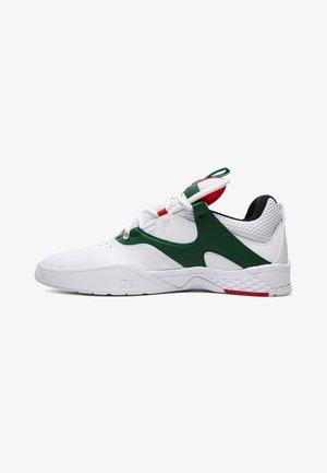 KALIS  - Skate shoes - white/green