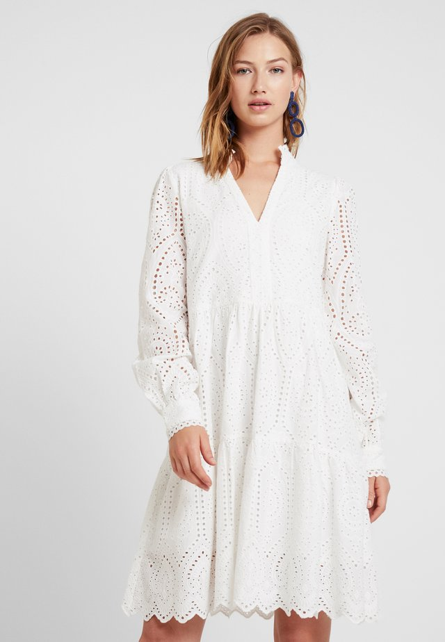 YASHOLI - Day dress - star white