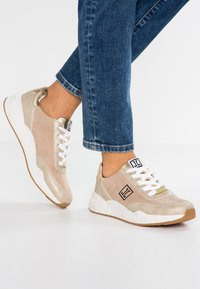 JETTE - Trainers - gold - 0