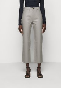 Goldsign - THE RELAXED STAIGHT - Pantalon en cuir - silver grey - 0