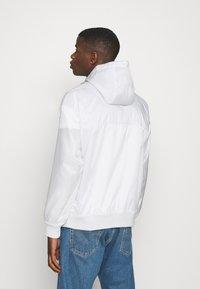 Nike Sportswear - Summer jacket - photon dust/summit white - 2