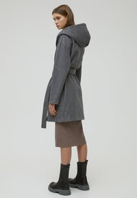 PULL&BEAR - Klasický kabát - dark grey - 2