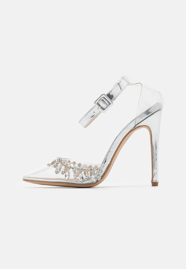 RASSEL - High heels - clear/silver