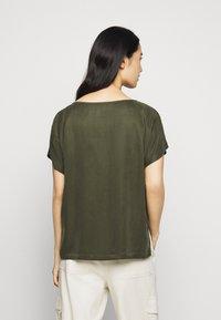 DRYKORN - SOMIA - T-shirt basique - grün - 2