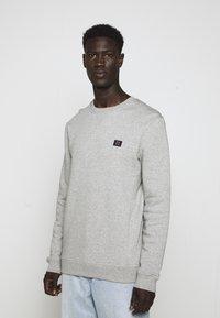 Les Deux - PIECE - Sweatshirt - light grey melange - 4