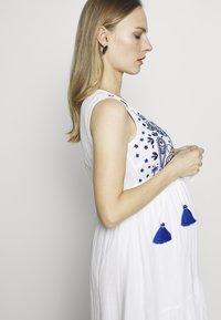 Mara Mea - RICKSHAW RIDE  - Denní šaty - white - 3