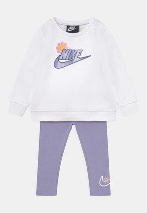 FLOWER SET - Sweatshirt - purple dawn