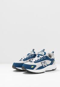New Balance - ML615 - Zapatillas - white/blue - 3