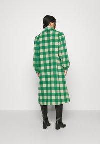 Résumé - ALINA COAT - Classic coat - sand - 2