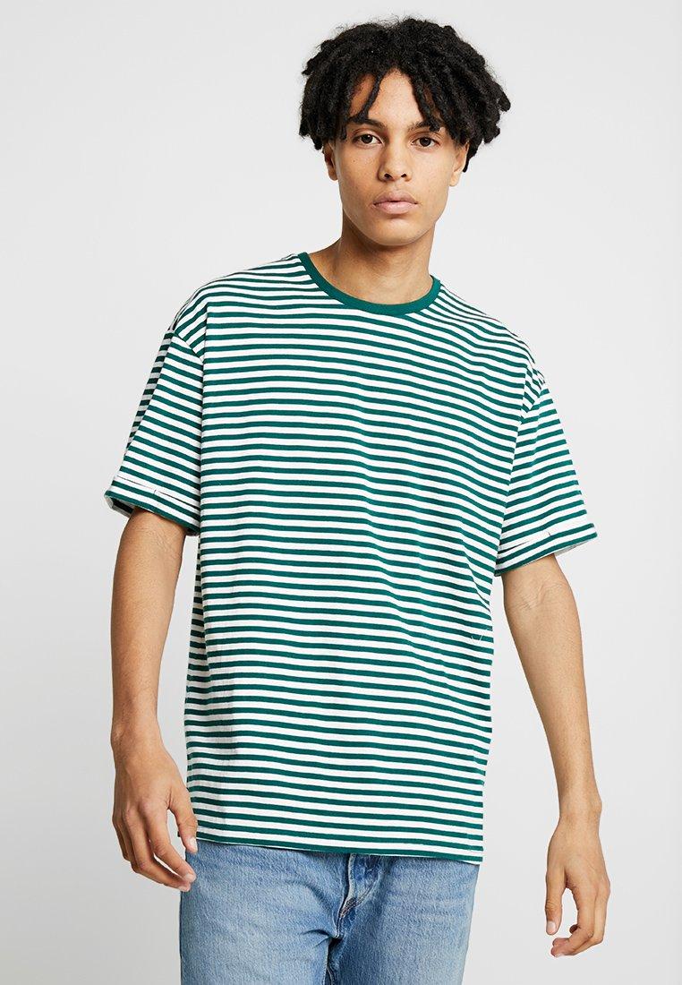 KIOMI - T-shirts print - white/dark green
