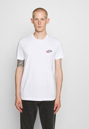 DIEGOS - Print T-shirt - white
