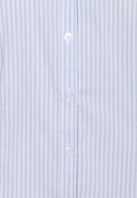More & More - WOVEN BILLA BLOUSE - Overhemdblouse - soft blue - 2