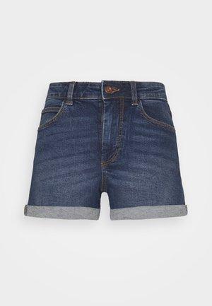PCPACY LOOSE SHORTS - Szorty jeansowe - medium blue denim
