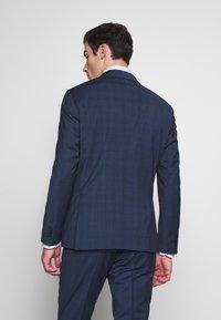 Tommy Hilfiger Tailored - PEAK LAPEL CHECK SUIT SLIM FIT - Oblek - blue - 5