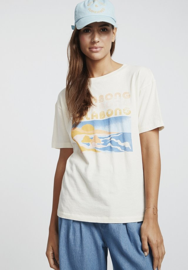 COAST LINE - Print T-shirt - salt crystal