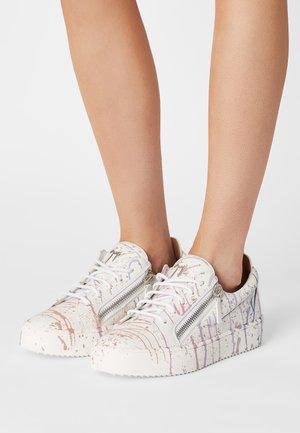 Sneakers laag - sport t bianco