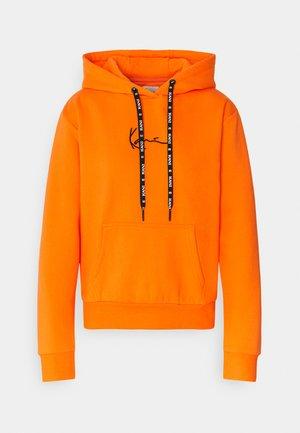 SMALL SIGNATURE HOODIE - Sweatshirt - orange