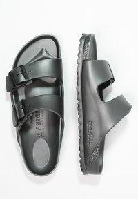 Birkenstock - ARIZONA  - Sandály do bazénu - metallic anthracite - 2