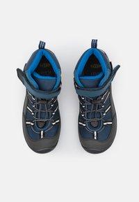 Keen - HIKEPORT SPORT MID WP UNISEX - Obuwie hikingowe - majolica/sky diver - 3