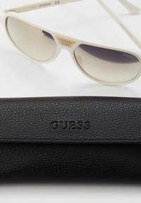 Guess - Solbriller - white - 2