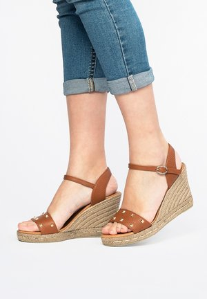 High heeled sandals - brown, brown