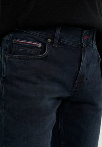 Tommy Hilfiger - STRAIGHT DENTON  BURKE  - Straight leg -farkut - dark-blue denim - 3
