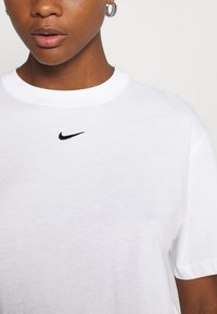 Nike Sportswear - Camiseta básica - white/black - 5