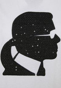KARL LAGERFELD - BOUCLE KARL PROFILE  - T-Shirt print - white - 2