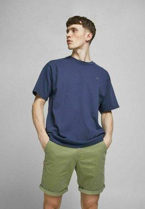 Shorts - deep lichen green