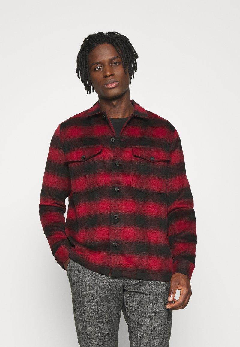 AllSaints - BETHUNE  - Shirt - red/black