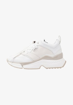AVENTUR MID LACE - Sneaker low - white