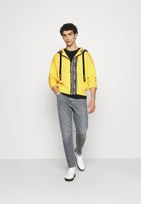 Just Cavalli - FELPA CON ZIP - Zip-up hoodie - vibrant yellow - 1