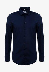 Seidensticker - BUSINESS KENT PATCH SLIM FIT - Formal shirt - dark blue - 4
