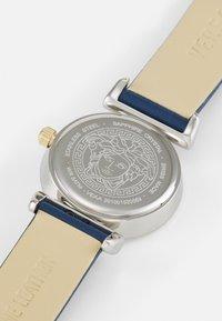 Versace Watches - MINI VANITY - Klokke - blue - 4