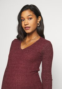 New Look Maternity - Vestido de punto - dark burgundy - 3