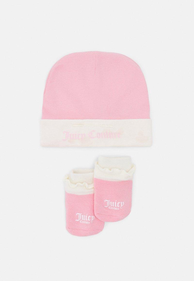 Juicy Couture - BABY JUICY HAT & BOOTIE SET - Beanie - rose quartz