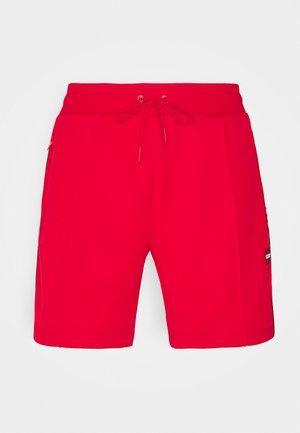 PINTUCK - Shorts - bright red