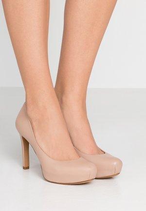 High heels - cameo
