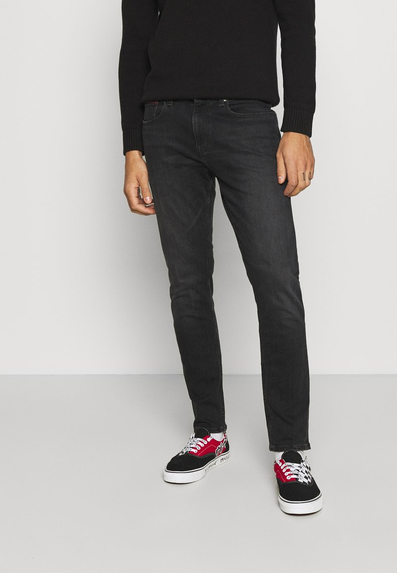 Tommy Jeans - AUSTIN UNISEX - Jeans Tapered Fit - max black