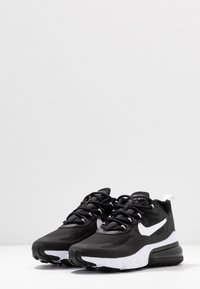 Nike Sportswear - AIR MAX 270 REACT - Baskets basses - black/white - 4