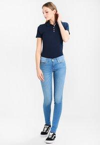 Tommy Jeans - ORIGINAL BASIC - Polo - dress blues - 1