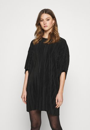 HOLLY PLEAT DRESS - Day dress - black