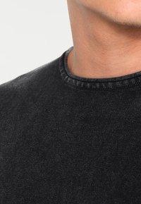 Only & Sons - ONSGARSON WASH CREW NECK - Stickad tröja - black - 3