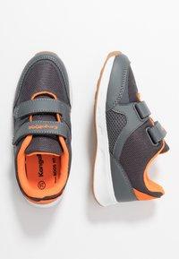 KangaROOS - COURTY  - Sneakers - steel grey/orange - 1