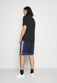 adidas Originals - Shorts - collegiate navy - 2