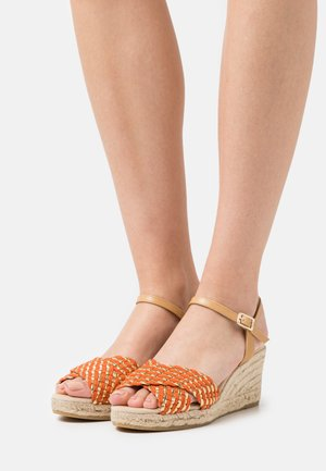 LAURA - Platform sandals - orange/gold