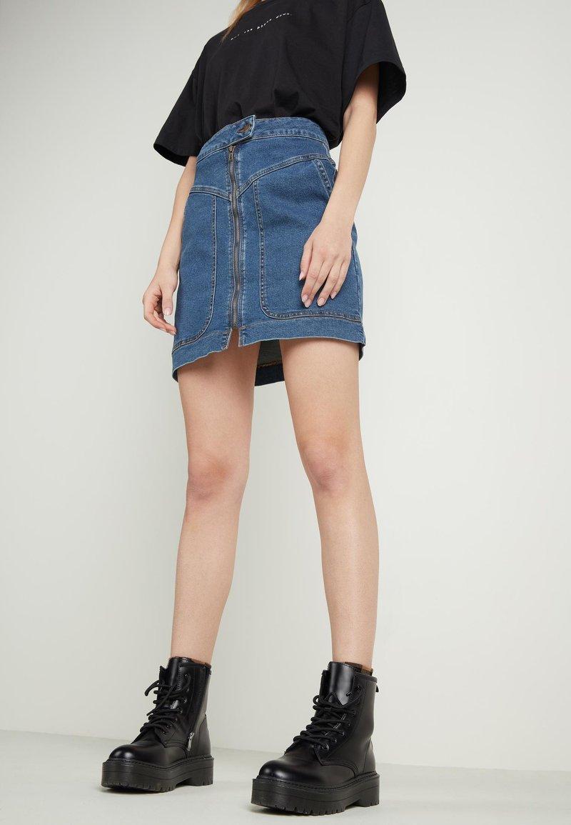 Tezenis - HOHEM BUND UND REISSVERSCHLUSS - Denim skirt - blu jeans